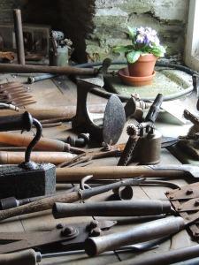 tools-103444_640